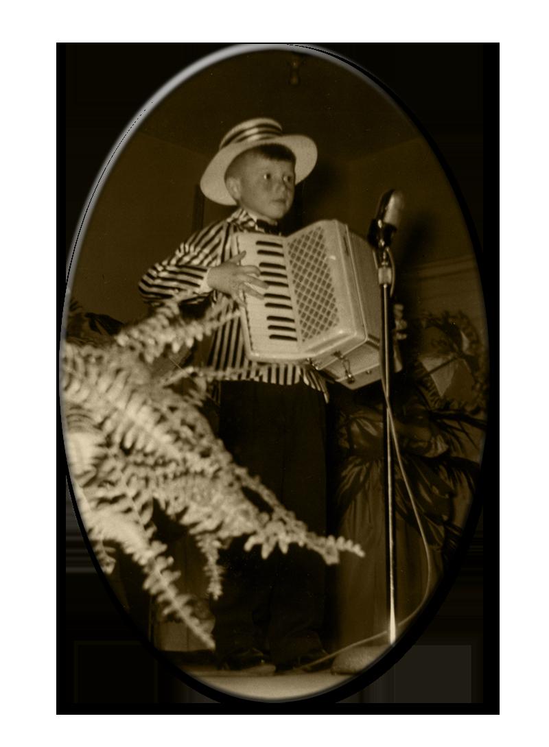 L'accordéoniste Mario Bruneau à 7 ans